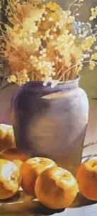 beige vaas met licht gele takken